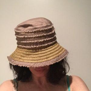 Columbia tan hat
